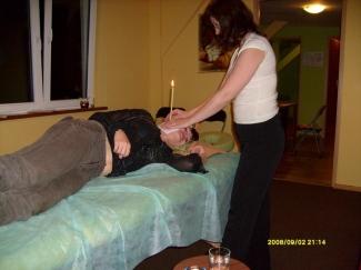 Masae-konchowanie-uszu-terapie-z-wykorzystaniem-mis-dwikowych-