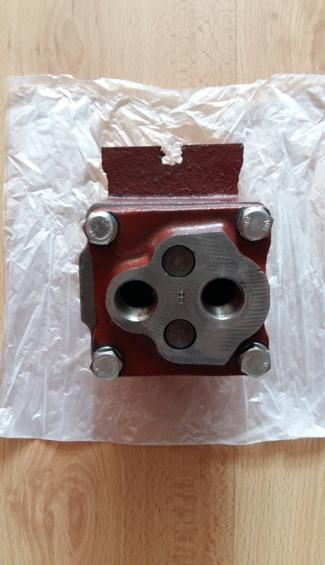 SPRZEDAM-Pompe-olejow-silnika-cignika-C-4011